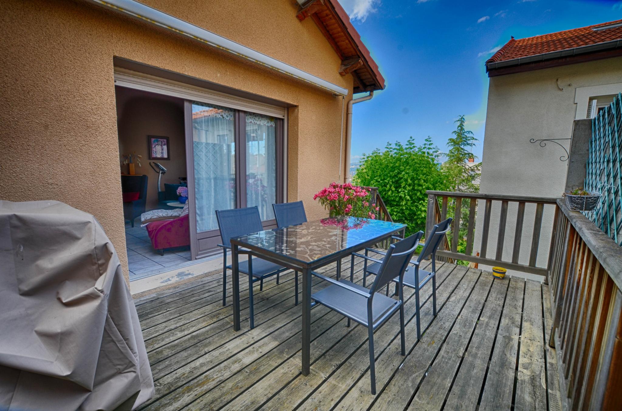 Ventes immo maison atypique en triplex avec terrasses for Terrasse atypique